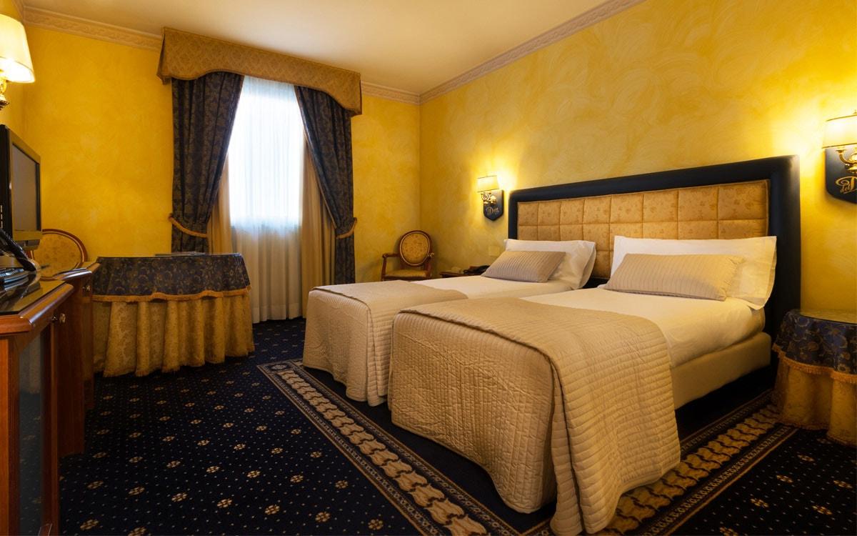 Hotel 3 Stelle Pavia